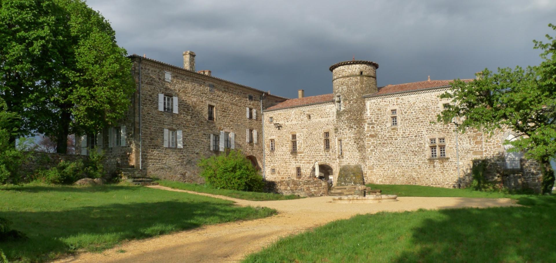Le manoir de Munas (St Romain d'Ay)